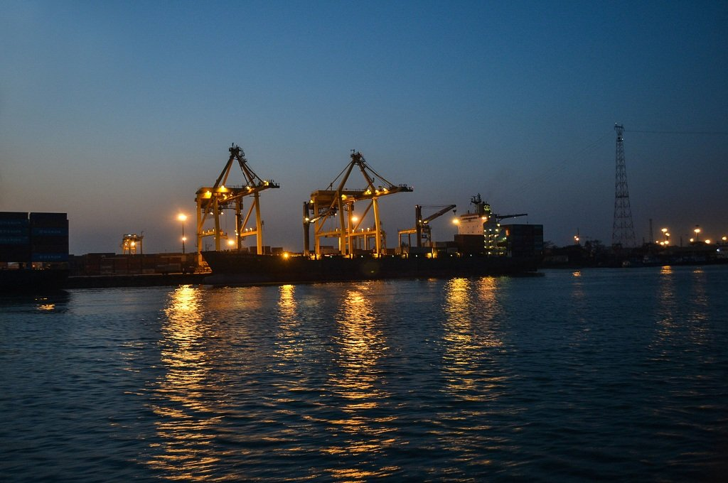 The largest deep-toned seaport